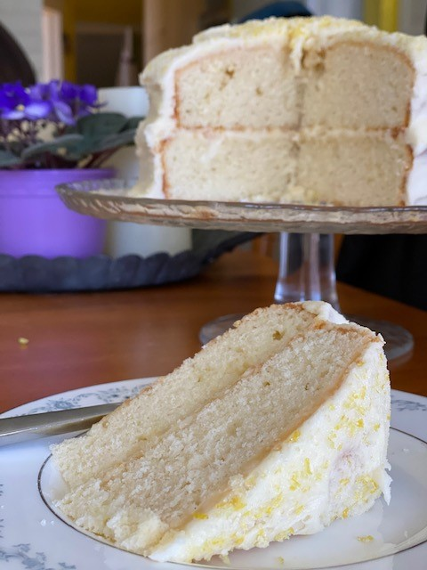 change u your white cake by icing it with Buttercream infused with Lemon Curd